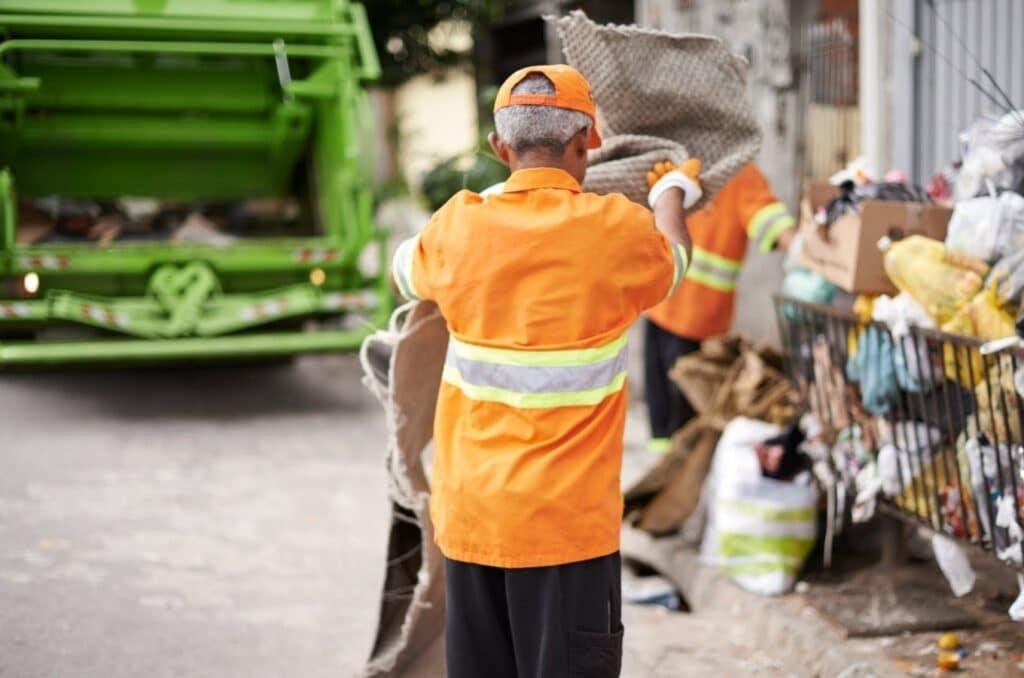 Pracownik oczyszczania miasta
